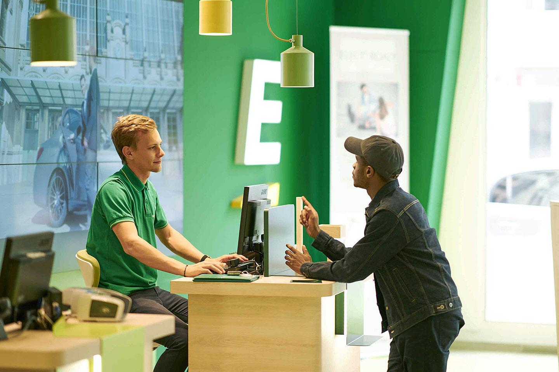 Europcar rental desk
